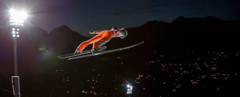 28.12.2015, Schattenbergschanze, Oberstdorf, GER, FIS Weltcup Ski Sprung, Vierschanzentournee, Training, im Bild Domen Prevc (SLO) // Domen Prevc of Slovenia// during his Practice Jump for the Four Hills Tournament of FIS Ski Jumping World Cup at the Schattenbergschanze, Oberstdorf, Germany on 2015/12/28. EXPA Pictures © 2015, PhotoCredit: EXPA/ Peter Rinderer
