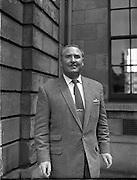Josef Locke suing Ballybunion Dance Hall Projects. Mr Locke is pictured with Mr O'Sullivan.07/07/1958