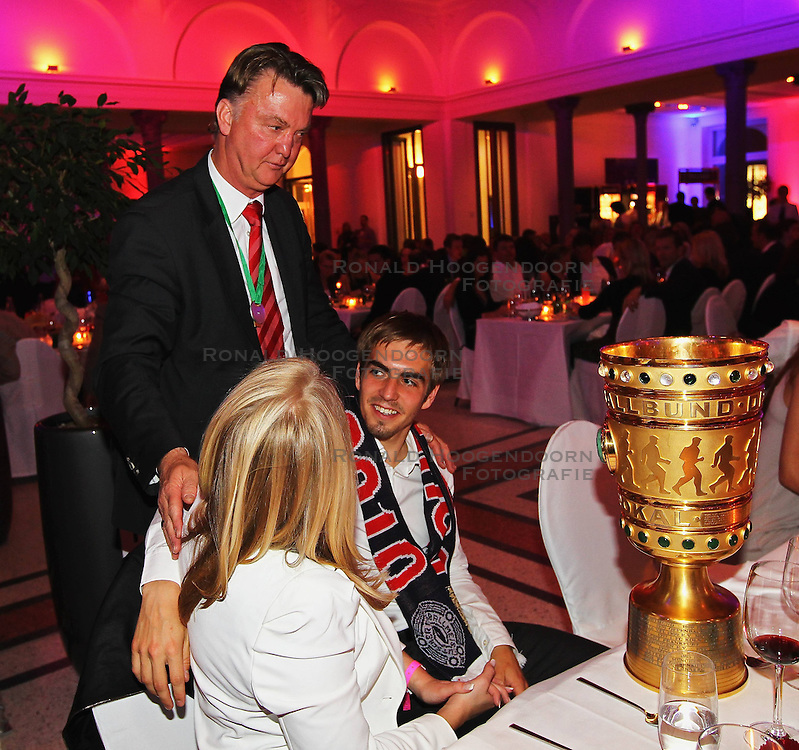 15-05-2010 VOETBAL: CHAMPIONSPARTY BAYERN MUNCHEN: BERLIN<br />  Louis van Gaal talks to Philipp Lahm and his girlfriend Claudia Schattenber<br /> ©2010- FRH nph /  PO