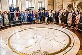 Koning opent tentoonstelling in het Koninklijk Paleis Amsterdam
