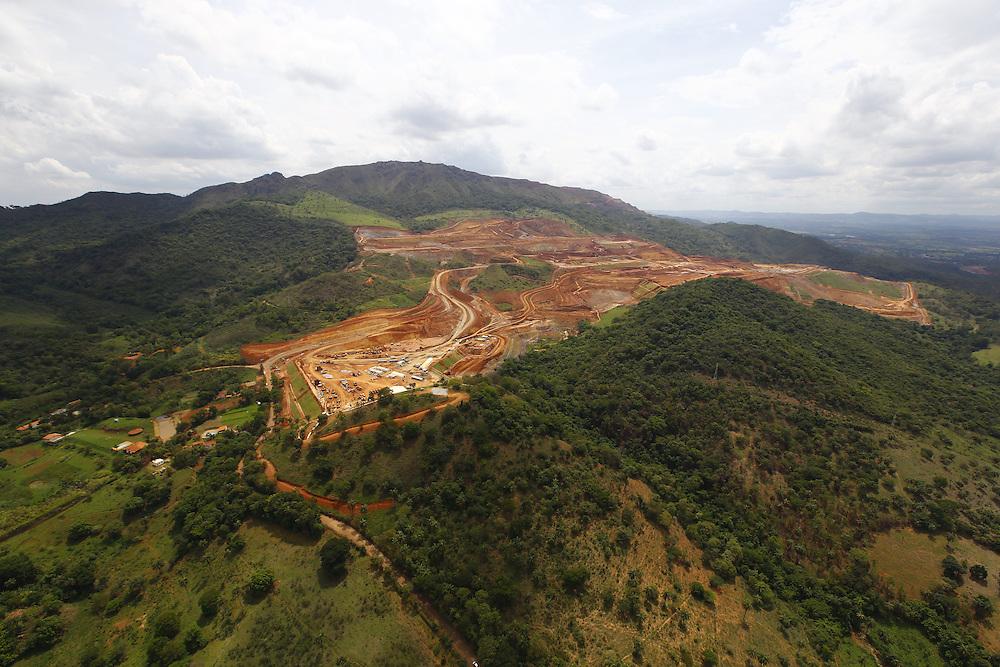 Igarape_MG, Brasil.<br /> <br /> Fotos aereas da expansao da unidade de mineracao Serra azul, localizada nos municípios mineiros de  Igarape, Brumadinho e Sao Joaquim de Bicas.<br /> <br /> Aerial view of the expansion of the unit mining Serra Azul, located between Igarape, Brumadinho and Sao Joaquim das Bicas.<br /> <br /> Foto: MARCUS DESIMONI / NITRO