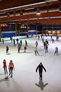 Mannheim. 03.11.17 | Eisdisco in der Eishalle.<br /> Neckarstadt. Leistungszentrum Eissport.<br /> Eisdisco in der Eislaufhalle.<br /> Zu Black, House 80er, 90er und aktuellen Charts über die Eisfläche tanzen, die neuesten Sprünge zeigen oder einfach Freunde treffen und mit ihnen Runden zu tollen Lichteffekten drehen.<br /> <br /> <br /> BILD- ID 22227 |<br /> Bild: Markus Prosswitz 03NOV17 / masterpress (Bild ist honorarpflichtig - No Model Release!)