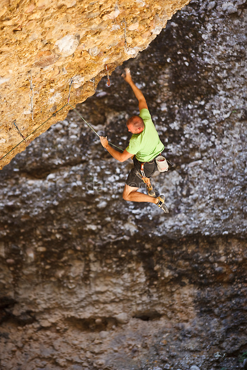 Colin Spark Takles the Stoning, 5.13c, Maple Canyon