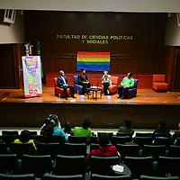 Toluca, México (Mayo 17, 2016).- Rodolfo Marino Torres Casas, Beatriz Ramírez Amador e Israfil Filos Real, participaron en el primer Foro de Discusión sobre Matrimonio Igualitario en el Edomex, realizado en la Facultad de Ciencias Políticas y Sociales de la UAEM.  Agencia MVT / Crisanta Espinosa.
