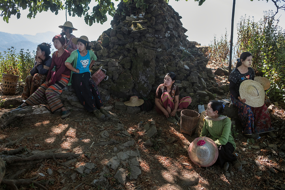 20170223 Shan state<br /> Workers and farmers takes a rest on top a mountain on their way to the poppy fields in the mountains of Shan State, Myanmar.<br /> Photo: Vilhelm Stokstad / Kontinent