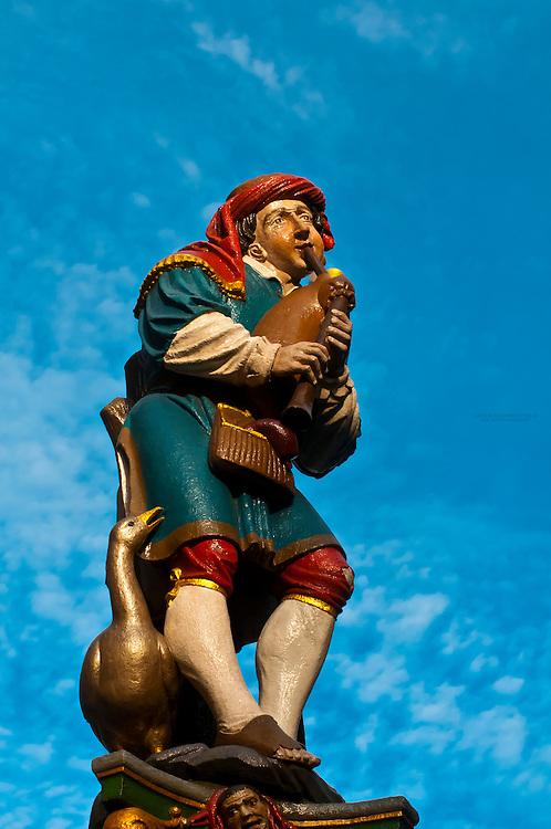 Piper's Fountain (Pfeiferbrunnen) on Spitalgasse, Bern, Canton Bern, Switzerland