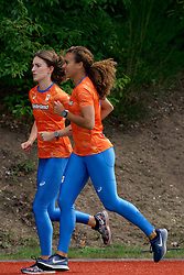 10-09-2019 NED: Team presentation World Cup Doha, Arnhem<br /> Maureen Ellsworth (4x400m relay) and Bianca Baak (4x400m relay) in action during the training, prior to the team presentation for the World Championships in Doha.