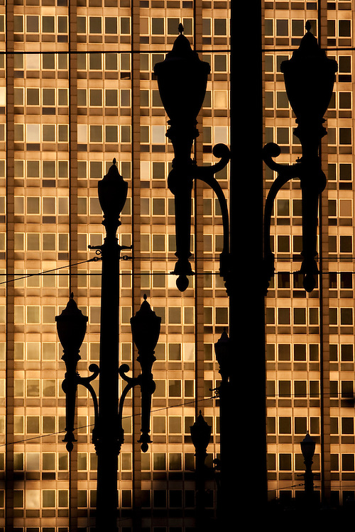 Sao Paulo_SP, Brasil...Detalhe das lampadas de iluminacao publica do Viaduto do Cha no Vale do Anhangabau...Detail of public lamps in the Viaduct of Cha in Vale do Anhangabau...Foto: MARCUS DESIMONI / NITRO