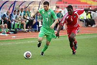FOOTBALL - AFRICAN NATIONS CUP 2010 - GROUP A - MALAWI v ALGERIA - 11/01/2010 - PHOTO MOHAMED KADRI / DPPI - RAFIK HALLICHE (ALG) / JAMES SANGALA (MAL)