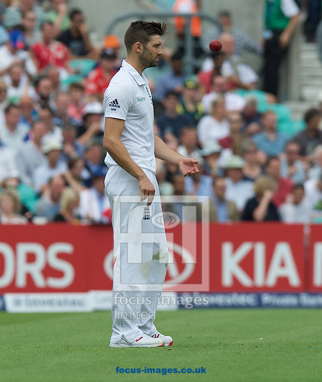Bowler Mark Wood during the 5th Investec Ashes Test Match match at the Kia Oval, London<br /> Picture by Alan Stanford/Focus Images Ltd +44 7915 056117<br /> 20/08/2015