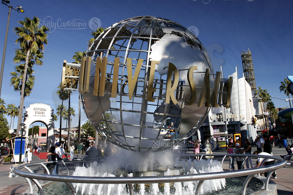 Jan 15, 2005; Hollywood, CA, USA; Large globe, a meeting place outside the front of Universal Studios Theme Park in Hollywood.  Tourist location for thousands of movie and roller coaster fans traveling and visiting Southern California.  Theme Park includes roller coaster rides, hollywood movie sets, theme shows and tram tour around sound stages on the property.  Mandatory Credit: Photo by Shelly Castellano/ZUMA Press.