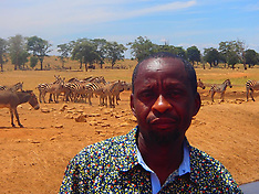Kenya: Man Drives Hours Every Day In Drought To Bring Water To Wild Animals - 21 Feb 2017