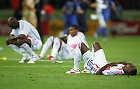 Fotball<br /> VM 2006<br /> Finale<br /> Frankrike v Italia<br /> 09.07.2006<br /> Foto: Witters/Digitalsport<br /> NORWAY ONLY<br /> <br /> Eric Abidal Frankreich enttaeuscht Vizeweltmeister<br /> Fussball WM 2006 Finale Italien - Frankreich