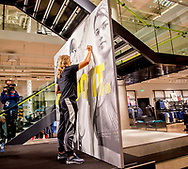 UTRECHT - Atlete Dafne Schippers tijdens de opening van een nieuw filiaal van Nike in Utrecht. <br /> Dafne Schippers opent nieuwe store Nike  copyright robinutrecht  julia brabander