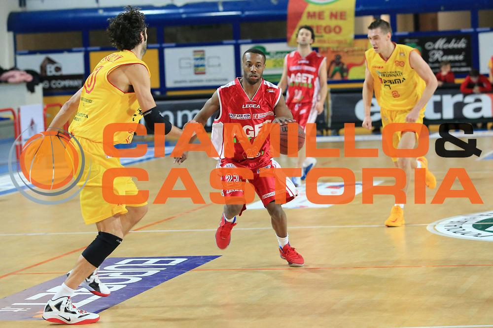 DESCRIZIONE : Frosinone Lega Basket A2  eurobet 2012-13  Prima Veroli Aget Nature Imola<br /> GIOCATORE : Gay III Darnley Earl <br /> CATEGORIA : equilibrio<br /> SQUADRA : Aget Nature Imola<br /> EVENTO : Lega Basket A2  eurobet 2012-13 <br /> GARA : Prima Veroli Aget Nature Imola<br /> DATA : 27/01/2013<br /> SPORT : Pallacanestro <br /> AUTORE : Agenzia Ciamillo-Castoria/ M.Simoni<br /> Galleria : Lega Basket A2 2012-2013 <br /> Fotonotizia : Frosinone Lega Basket A2  eurobet 2012-13  Prima Veroli Aget Nature Imola<br /> Predefinita :