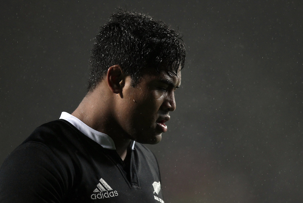 New Zealand's Julian Savea in action against Argentina in the 2013 Rugby Championship Match at Waikato Stadium, Hamilton, New Zealand, Saturday, September 07, 2013.  Credit:SNPA / David Rowland