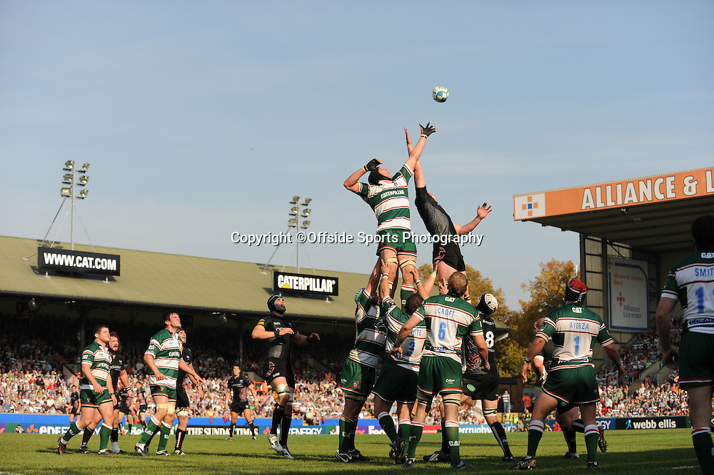 12/10/2008. Rugby Union. Heineken Cup, Pool 3. Leicester Tigers v Ospreys. Ben Kay and Ian Wyn Jones challenge for a line out. Leicester, UK. Photo: Offside/Steve Bardens.