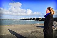 Minister van Infrastructuur en Waterstaat  Cora van Nieuwenhuizen op de oosterscheldekering