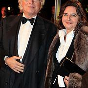 NLD/Katwijk/20101030 - Inloop premiere musical Soldaat van Oranje, Eddy Habbema en partner Branca Schellevis
