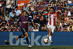 September 29, 2018 - Barcelona, Barcelona, Spain - Oscar de Marcos Arana (R) of Athletic Club de Bilbao controls the ball next to Philippe Coutinho of FC Barcelona during the La Liga match between FC Barcelona and Athletic Club de Bilbao at Camp Nou on September 29, 2018 in Barcelona, Spain  (Credit Image: © David Aliaga/NurPhoto/ZUMA Press)