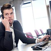 Foto: David Rozing Nederland Amsterdam 19-04-2014 20140419 Model released Model release aanwezig. Man doet belangrijk telefoontje, eigen onderneming starten in nieuw leeg bedrijfspand, de bank bellen,  telefonisch overleg, crisis, crisisberaad, erop of eronder, hekele situatie, spannend gesprek, uitslag vernemen, update krijgen, managen, manager, irritatie, management.n David Rozing; Inkomen; Vakmanschap; activiteit; afgeronde studie; afgestudeerde; afgestudeerden; ambitieuze; ambitite; ambititeus; analyseren; arbeid; arbeidsmarkt; arbeidzaam; arbeidzame; arbo regels; arbo wetgeving; arboregels; baan; baanzekerheid; banen; bedrijf; bedrijf starten; bedrijfscultuur; bedrijfsleven; bedrijvigheid; beheersgerichte cultuur; belabgen; belangrijk gesprek; belangrijk telefoongesprek; belletje maken; bereikbaar; bereikbaarheid; beroep; beroepen; beroepsgroep; besluitvaardigheid; besturen; bestuursfunctie; breinwerker; bureaubaan; bureauwerk; business; business meeting; career; carriere; carriere mogelijkheden; carrierestappen; carrièreverloop; collega; collega's; communicatie; communicatie technologie.; communicatiemiddel; communicatiemiddelen; communicatieve vaardigheden; communiceren; concentratie; conversatie; converseren; craftmanship; creatieve; creatieve oplossingen; creativiteit; de ander een handje helpen; de handen armen uit de mouwen steken; de kost verdien; de mouwen opstropen; denken; discipline; doelen; doelstellingen; dutch; efficiency; efficient werken; employee; employees; ervaring opdoen; excelleren; experimenteren; financieel plan; financiele planning; financiele zekerheid; flexibel; flexibiliteit; formeel; formeel gekleed; formele; geconcentreerd; gedisciplineerd; gedisciplineerde; gedreven; gedrevenheid; geld verdienen; generatie Y; genieten; gespannen situatie; gesprek; goal; goed betaald; goed betaalde; goede werklust; grenzeloze generatie; groei; groeien; groot talent; grote belangen; grote verantwoordelijheid; heer; heertje; heertjes; heren;, zelfsta