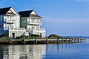 Waterfront houses, Sailfish Point, Roanoke Island, Outer Banks, North Carolina, USA.