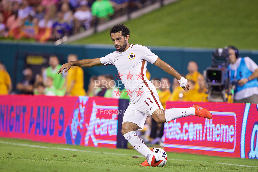 ST. LOUIS, USA - Monday, August 1, 2016: AS Roma's Mohamed Salah in action against Liverpool during a pre-season friendly game on day twelve of the club's USA Pre-season Tour at the Busch Stadium. (Pic by David Rawcliffe/Propaganda)