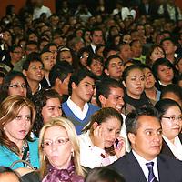Metepec, México.- Jóvenes durante la ceremonia del Día Internacional de la No Violencia desde la Educación.  Agencia MVT / José Hernández