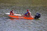 Mannheim. 29.07.17   &Uuml;bung um M&uuml;hlauhafen<br /> M&uuml;hlauhafen. Rettungs&uuml;bung von Feuerwehr DLRG und ASB. Das Szenario: Ein Fahrgastschiff brennt und die Passagiere m&uuml;ssen gerettet werden. <br /> Auf der MS Oberrhein wird ge&uuml;bt. Dazu ankert das Schiff in der Fahrrinne des M&uuml;hlauhafens. Das Feuerl&ouml;schboot Metropolregion 1 kommt dazu.<br /> <br /> BILD- ID 0926  <br /> Bild: Markus Prosswitz 29JUL17 / masterpress (Bild ist honorarpflichtig - No Model Release!)