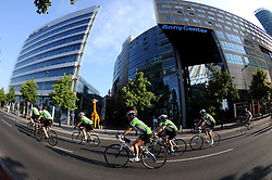 RADSPORT: Velothon 2011,  Jedermaenner, Berlin, 22.05.2011<br /> Illustration, Potsdamer Platz, Sony Center<br /> © pixathlon