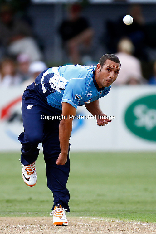 Andre Adams during the HRV Cup FINAL match between the Auckland Aces v Canterbury Wizards. Men's domestic Twenty20 cricket. Colin Maiden Park, New Zealand. Sunday 22 January 2012. Ella Brockelsby / photosport.co.nz