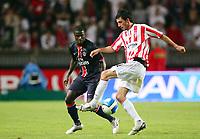 Fotball<br /> Frankrike / Irland<br /> Foto: Dppi/Digitalsport<br /> NORWAY ONLY<br /> <br /> FOOTBALL - UEFA CUP 2006/2007 - 1ST ROUND - 2ND LEG - PARIS SAINT GERMAIN v DERRY CITY FC - 28/09/2006<br /> <br /> KILLIAN BRENNEN (DER) / BERNARD MENDY (PSG)