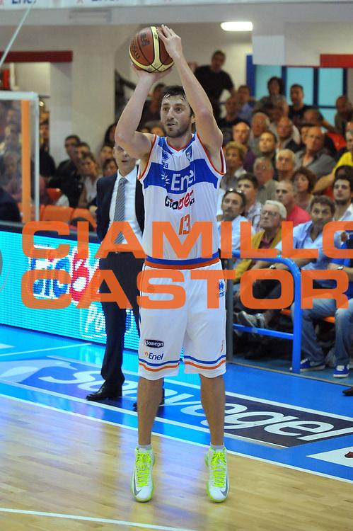 DESCRIZIONE : Brindisi Lega A 2012-13 Enel Brindisi Vanoli Cremona<br /> GIOCATORE : Klaudio Ndoja<br /> CATEGORIA : Tiro<br /> SQUADRA : Enel Brindisi<br /> EVENTO : Campionato Lega A 2012-2013 <br /> GARA : Vanoli Cremona<br /> DATA : 14/10/2012<br /> SPORT : Pallacanestro <br /> AUTORE : Agenzia Ciamillo-Castoria/V.Tasco<br /> Galleria : Lega Basket A 2012-2013  <br /> Fotonotizia : Brindisi Lega A 2012-13 Enel Brindisi Vanoli Cremona<br /> Predefinita :