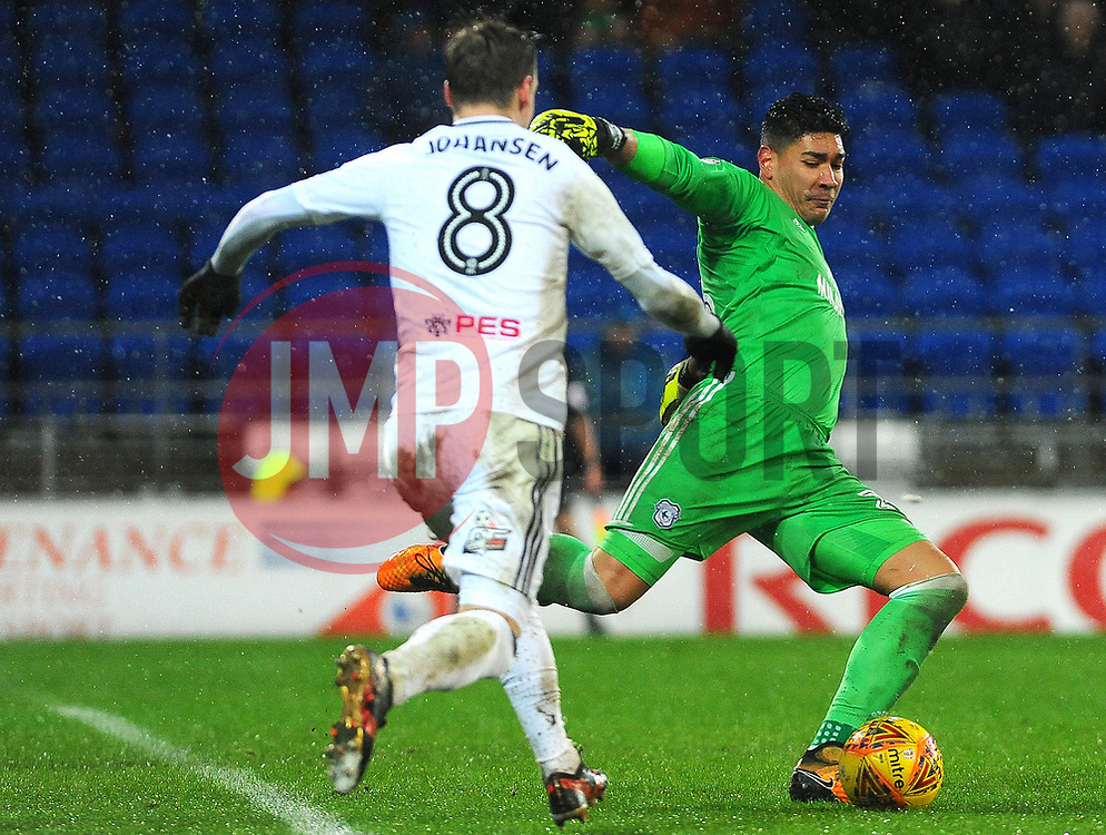 Neil Etheridge of Cardiff City under pressure from Stefan Johansen of Fulham- Mandatory by-line: Nizaam Jones/JMP- 26/12/2017 -  FOOTBALL - Cardiff City Stadium - Cardiff, Wales -  Cardiff City v Fulham - Sky Bet Championship