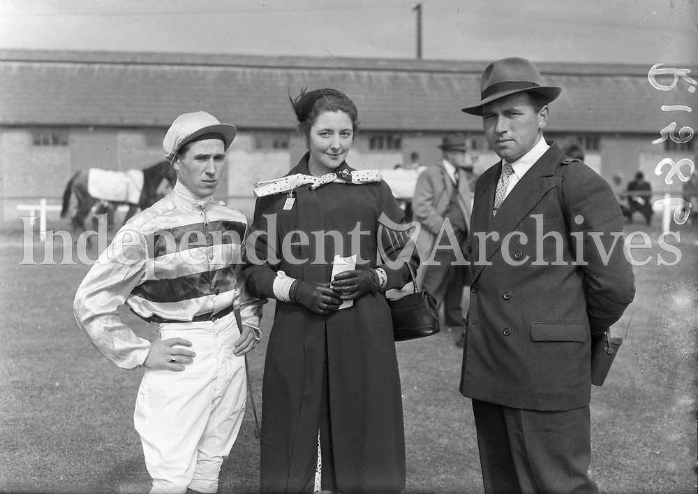 R1586<br />