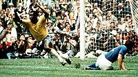 Fotball<br /> VM-sluttspillet i 1970<br /> Mexico<br /> Finale<br /> Italia v Brasil<br /> Foto: Digitalsport<br /> NORWAY ONLY<br /> Pele jubler for scoring
