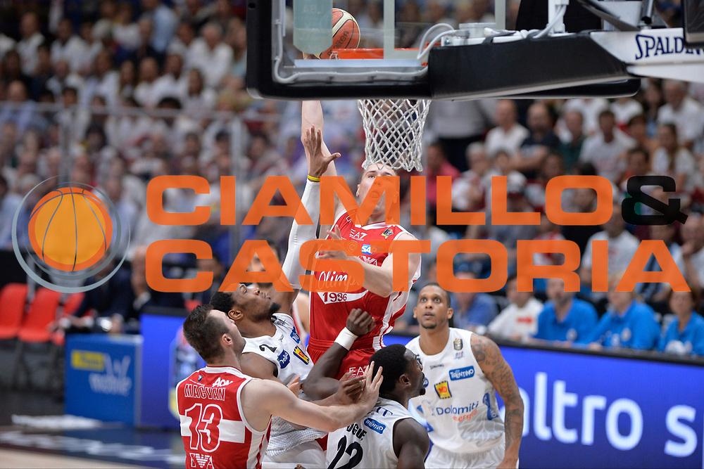 Kaleb Tarczewski<br /> EA7 Emporio Armani Olimpia Milano - Dolomiti Energia Aquila Basket Trento<br /> Lega Basket Serie A, Semifinali Playoff 2016/2017<br /> Milano, 25/05/2017<br /> Foto Ciamillo-Castoria