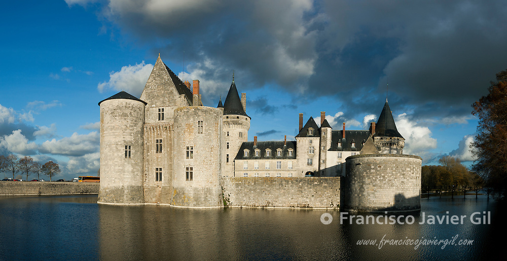 Panoramic of the castle of Sully-Sur-Loire, Loiret, Centre-Val de Loire, France