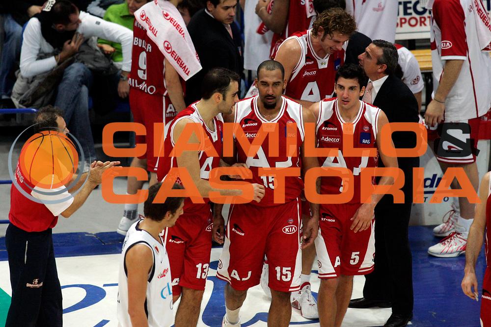 DESCRIZIONE : Bologna Lega A1 2005-06 Climamio Fortitudo Bologna Armani Jeans Milano <br /> GIOCATORE : Blair Team Milano <br /> SQUADRA : Armani Jeans Milano <br /> EVENTO : Campionato Lega A1 2005-2006 <br /> GARA : Climamio Fortitudo Bologna Armani Jeans Milano <br /> DATA : 20/11/2005 <br /> CATEGORIA : Delusione <br /> SPORT : Pallacanestro <br /> AUTORE : Agenzia Ciamillo-Castoria/G.Ciamillo