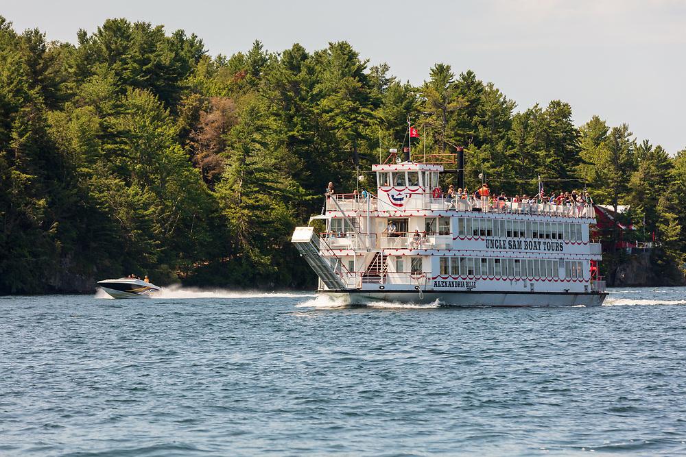 https://Duncan.co/thousand-islands-paddleboat