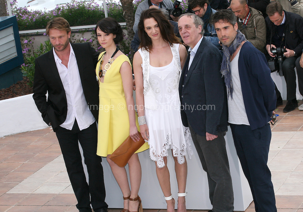 Thomas Kretschmann, Marta Gastini, Asia Argento, Dario Argento, Unax Ugalde at the Dario Argento Dracula film  photocall at the 65th Cannes Film Festival. Saturday 19th May 2012 in Cannes Film Festival, France.