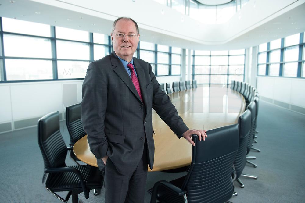01 FEB 2013, BERLIN/GERMANY:<br /> Peer Steinbrueck, SPD Kanzlerkandidat und Bundesminsiter a.D., Sitzungssaal in der Spitze, 6. Stock, der ehem. Sitzungsaal für das SPD Praesdium, Willy-Brandt-Haus<br /> IMAGE: 20130201-01-014<br /> KEYWORDS: Peer Steinbrück
