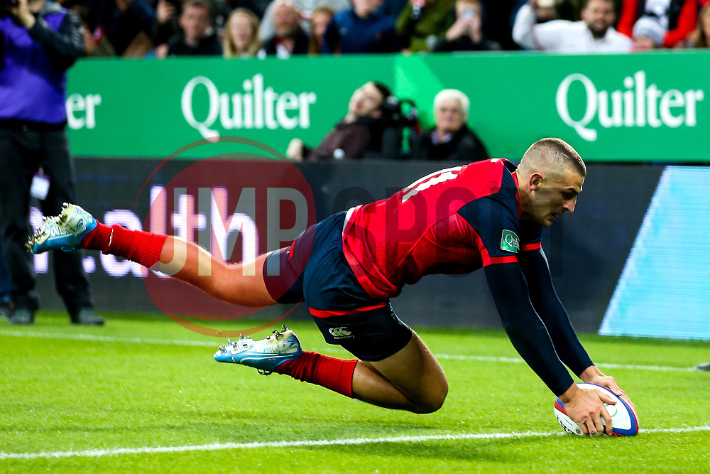 Jonny May of England scores a try but it is disallowed - Mandatory by-line: Robbie Stephenson/JMP - 06/09/2019 - RUGBY - St James's Park - Newcastle, England - England v Italy - Quilter Internationals