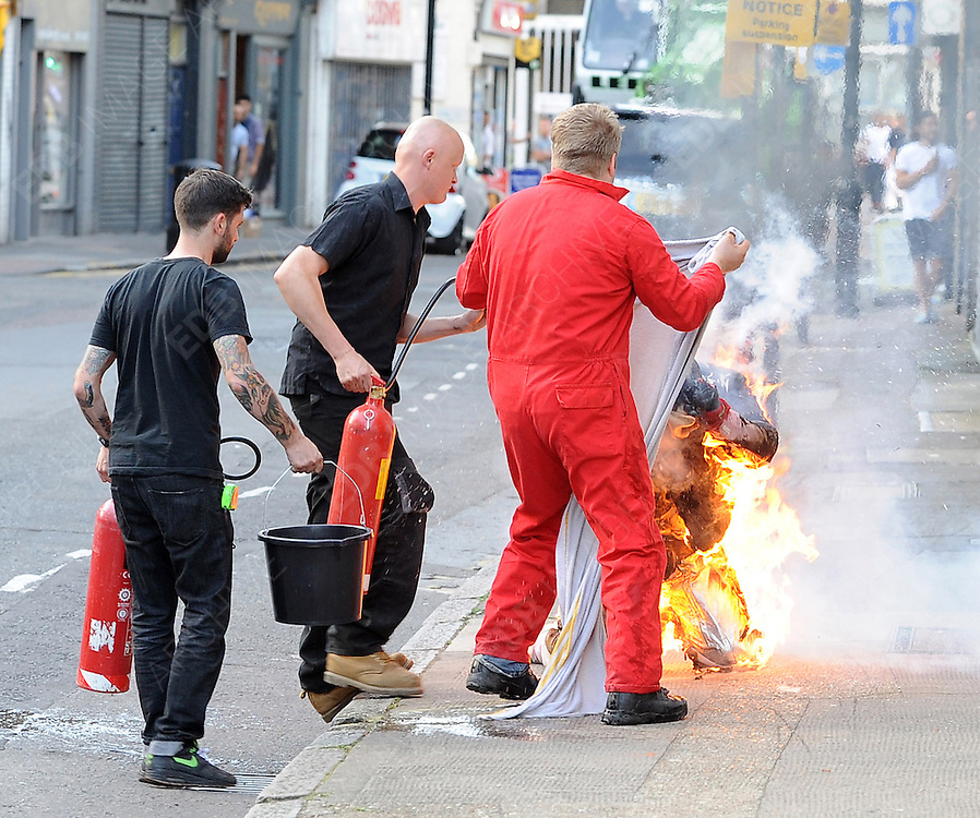 17.AUGUST.2012. LONDON<br /> <br /> A MAN SETS HIMSELF ON FIRE IN A STUNT FOR ROBBIE WILLIAMS NEW MUSIC VIDEO<br /> <br /> BYLINE: EDBIMAGEARCHIVE.CO.UK<br /> <br /> *THIS IMAGE IS STRICTLY FOR UK NEWSPAPERS AND MAGAZINES ONLY*<br /> *FOR WORLD WIDE SALES AND WEB USE PLEASE CONTACT EDBIMAGEARCHIVE - 0208 954 5968*