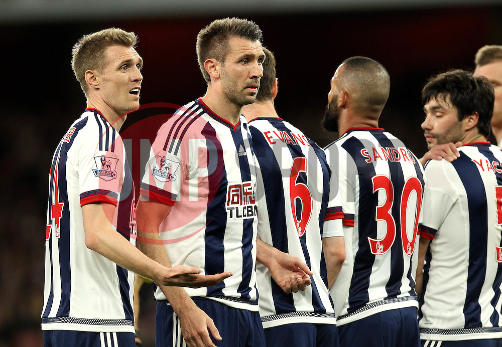 Darren Fletcher and Gareth McAuley of West Bromwich Albion help organise the wall - Mandatory by-line: Robbie Stephenson/JMP - 21/04/2016 - FOOTBALL - Emirates Stadium - London, England - Arsenal v West Bromwich Albion - Barclays Premier League