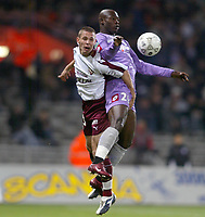 Fotball<br /> Frankrike 2004/05<br /> Toulouse v Metz<br /> 6. november 2004<br /> Foto: Digitalsport<br /> NORWAY ONLY<br />  ACHILLE EMANA (TOU) / LUDOVIC OBRANIAK (METZ)