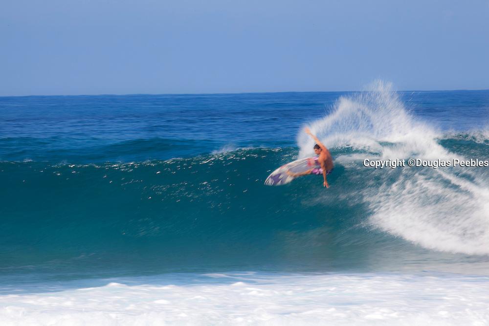 Surfing, Pipeline, Ehukai, North Shore, Oahu, Hawaii