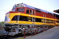 Panama - Le train du Canal au depart de Panama City