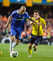 LONDON, ENGLAND - Wednesday, May 6, 2009: Chelsea's Alex and Barcelona's Lionel Messi during the UEFA Champions League Semi-Final 2nd Leg match at Stamford Bridge. (Photo by Carlo Baroncini/Propaganda)