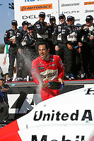 Helio Castroneves, Indy Japan 300, Twin Ring Motegi, Motegi, Japan, 4/22/2006